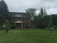 Beautiful spacious house located within walking distance of a nice park and golf course
