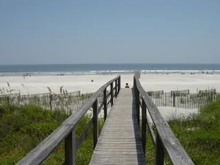 Great Beach House At Great Location!