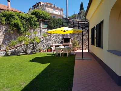 Photo for 2 bedroom Villa, sleeps 5 with FREE WiFi and Walk to Shops