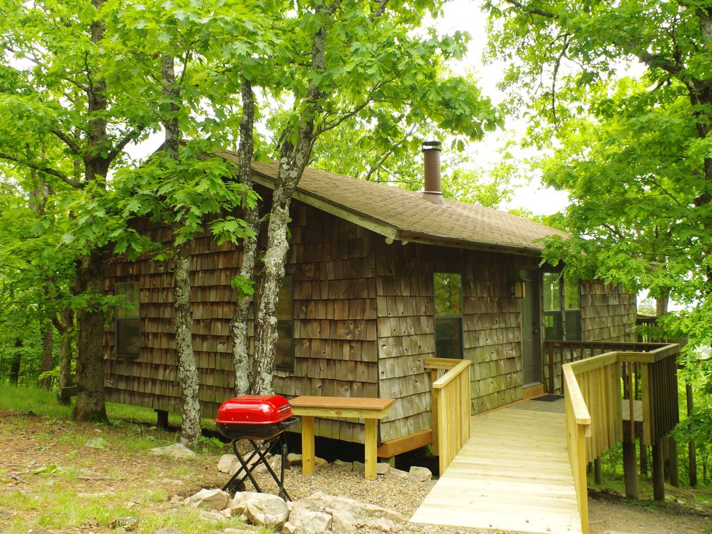Peckerwood Knob Sunset Cabin; Mountaintop seclusion in SE Oklahoma; Great View