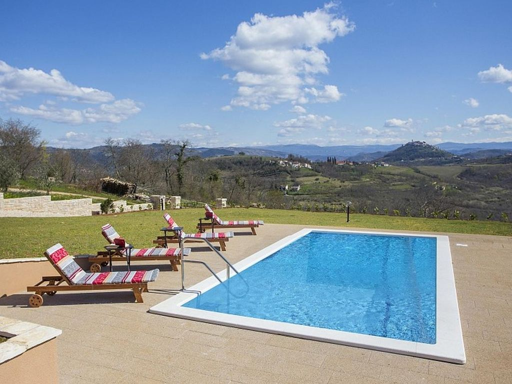 Property Image#3 Modern Holiday House For 6 8 Persons With Beautiful View  And