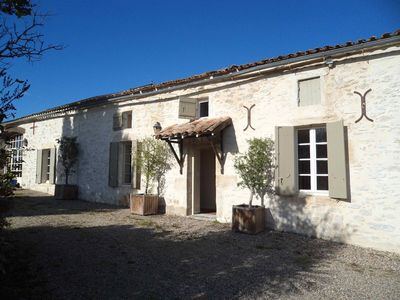 Photo for Family home in the vineyards close to Saint-Emilion and Bordeaux