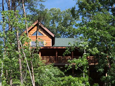 Photo for 3 miles off Prkwy!Mntn View!Indor/outdr/pool,putt golf,banquet facilities