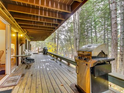 Photo for Lakeview condo w/ deck, shared pool/hot tub & close beach access - near skiing!