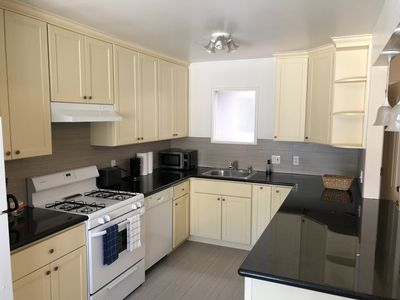Photo for SFO private 1br/1ba apt. Parking, WiFi, Location!