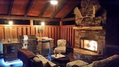 Photo for Luxury Outdoor LR & BBQ, Mtn Top retreat- MOOSEMAC - Mtn Bikes, hot tub & more!!