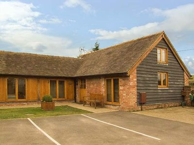 Photo for THE HAY LOFT, pet friendly, with a garden in Bridgnorth, Ref 2849