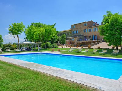 Photo for Stunning private villa with private pool, A/C, WIFI, panoramic view and parking, close to Cortona