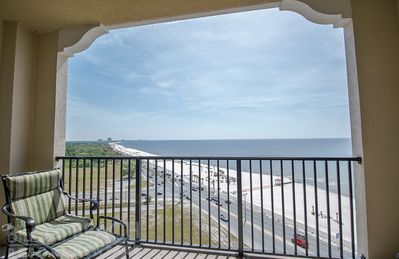 Gorgeous Views Penthouse w/ WiFi, Spa Services, Indoor & Outdoor Pools