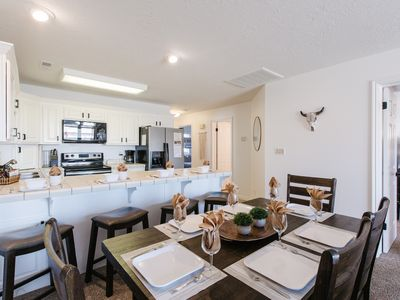 Photo for LP 1613 | Main level, newly remodeled Poolside Palms Retreat