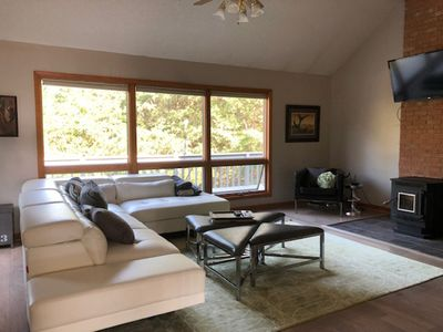 Great Massanutten Contemporary Property (Sleeps 10) - Military Discount Avail