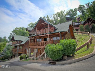 Smoky Mountain Luxury Cabin Amazing Mountain View, Wears Valley Pigeon Forge TN