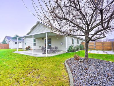 Photo for NEW! Cozy Tri-Cities Home w/Patio Near 10 Wineries