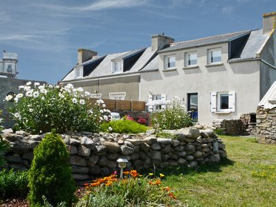 Photo for Fully equipped house, quiet, enclosed garden on a Breton island