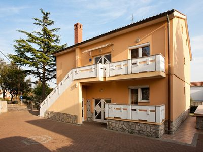 Photo for Holiday apartment with air conditioning and Internet at the Center