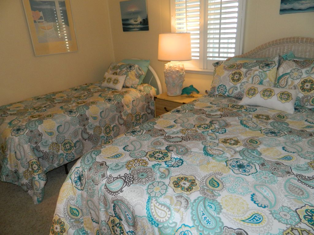 North Beach Villas Offers Cherry Grove Pier Scenery