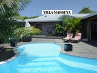 Lovely bungalow with pool and BBQ, 3 min away from the beach