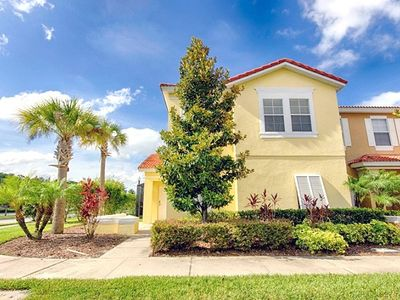 Photo for Bella Vida 4 Bedroom Townhome with Splash Pool