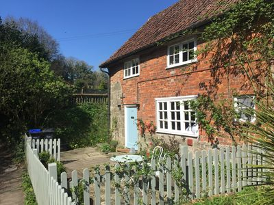 Photo for Beautiful rural cottage on Dorset/Wiltshire border