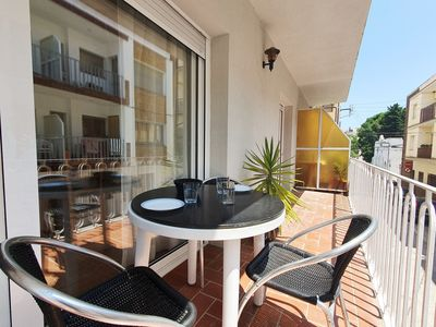 Photo for Bright apartment with terrace in Llançà - 6785