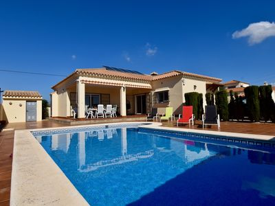 Photo for Modern Villa for 6 people in stunning location!