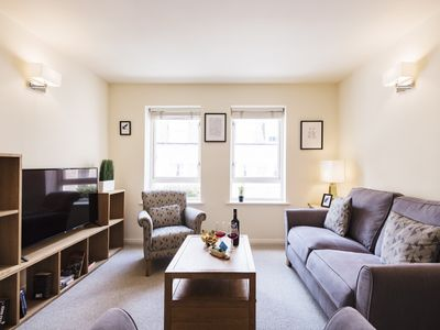 Photo for Bright Charing Cross Apartment - PAY
