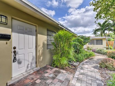 Photo for Charming Wilton Manors Apt - Walk to Wilton Drive!
