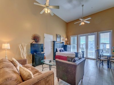 Photo for Comfortable unit, Steps to the beach, Close to entertainment
