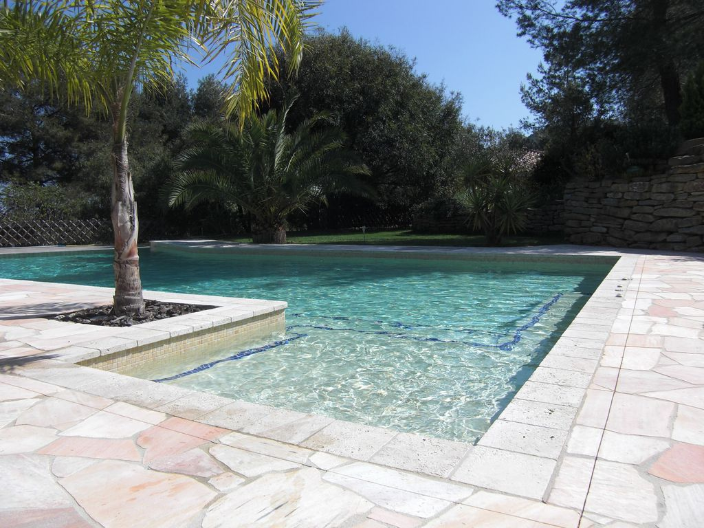 Villa With Six Fours The Beaches With Swimming Pool: Piscine Municipale Six  Fours