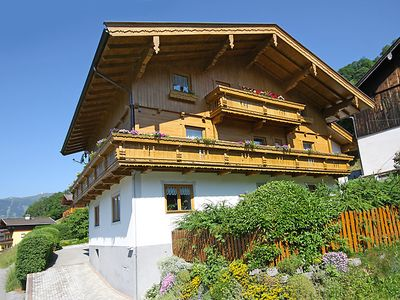 Photo for Apartment Ratgebgut in Zell am See - 9 persons, 4 bedrooms