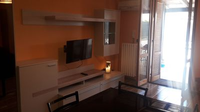 Photo for Comfortable studio with ground floor garden euro 60/80 per night