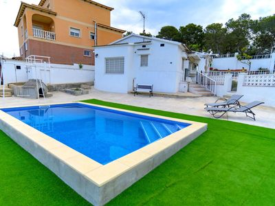 Photo for Nice apartment for 5 people with A/C, WIFI, private pool, TV and parking