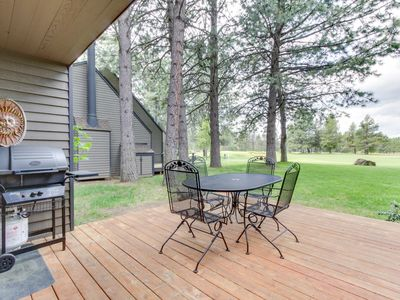 Photo for Dog-friendly Sunriver condo w/ great location & view, SHARC passes!