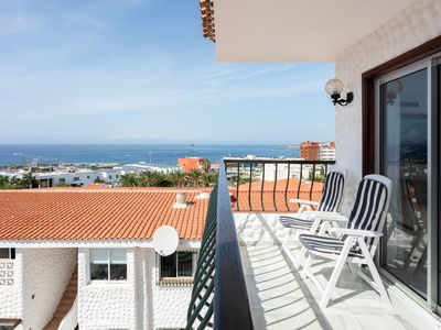 Photo for Beautiful apartment with pool and terrace a few steps from the beach in Adeje