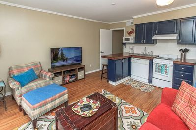Carolina Beach Club- new & nicely renovated and ocean view villa - The newly renovated Villa with Kitchen features a cozy feel with an ocean view. Kitchen appliances are new, new butcher block counter tops, dining bar, and wood throughout.