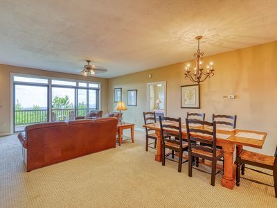 Photo for Dog friendly condo w/long range views and spacious deck