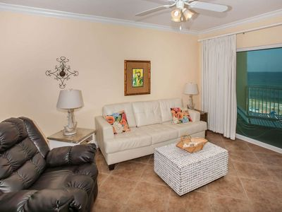 Photo for 2BR/2BA Condo/Gulf-Front w/Prvt Balcony/Sleeps 6/W/D/WiFi/Pool/Hot Tub/Game Room -Crystal Shores 504