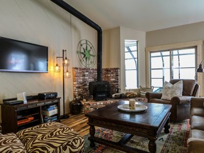 Photo for Remodeled, Pet-Friendly, Private Hot Tub, End Unit in Quiet Complex