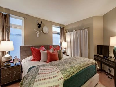 Photo for Fabulous 2 Bedroom Suite in the City! King Beds/Secured Parking & Indoor Pool!