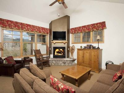 Photo for Close to town and slopes with outdoor pool on-site.