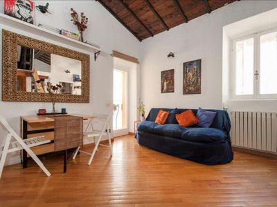 Photo for Spacious Chiavari apartment in Centro Storico with WiFi & integrated air conditioning.