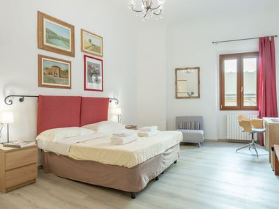 Photo for Santo Spirito 2 bedrooms, vacation apartment in Florence, just steps to the Boboli Gardens.