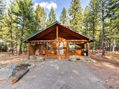 Photo for Pet Friendly Mazama Cabin - Walk to Methow River!