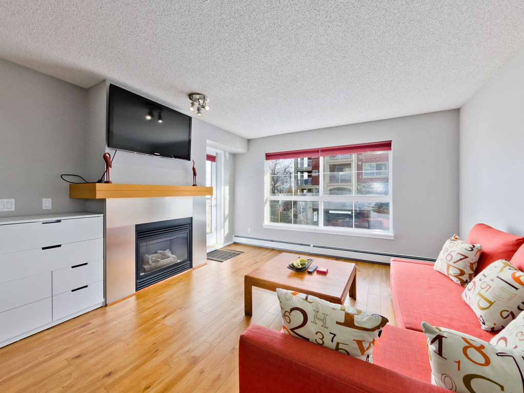 1004 Sqft Condo With 2 Bedrooms 2 Baths And Heated