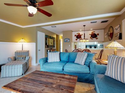 Photo for Coastal condo w/shared pool near deck and dining, close to beach!