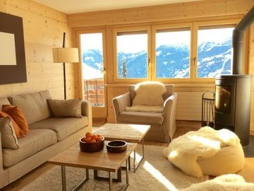 Luxury 3 bed apartment in Verbier, near bus stop & close to village centre