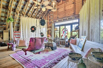 This vacation rental comfortably accommodates up to 12.