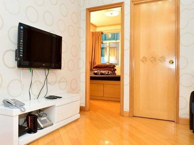 Photo for 3 Bedrooms (SK7) Centrally located