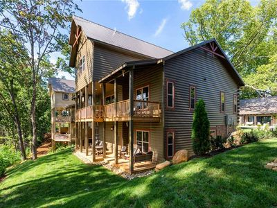 Photo for New!|The Mighty Crabapple Manor|Great for Groups|Downtown Gatlinburg|Walk to the Convention Center