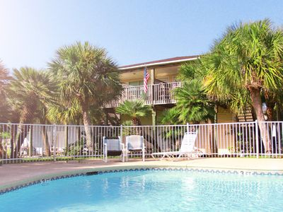Photo for Charmimg Port Aransas Condo 2BR 2BTH overlooking the pool and tropical grounds